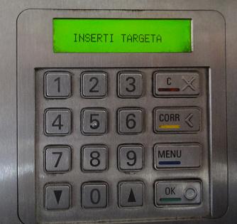 选好之后,机器就要我们投钱了