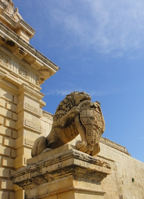 守卫著 Mdina 千年的石狮