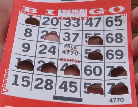 郵輪上付費的賓果遊戲 (Bingo),算是小投資大報酬的試手氣機會,有一次我旁邊的義大利大嬸買了幾張,結果抱了3 萬歐元 (120萬台幣) 回家