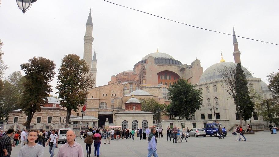 蘇菲亞教堂,從教堂被改成清真寺,現在用作博物館開放展覽
