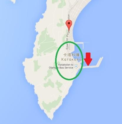綠色圈圈裡是 Katakolo,紅色箭頭是郵輪停靠的地方,紅色氣泡則是火車站