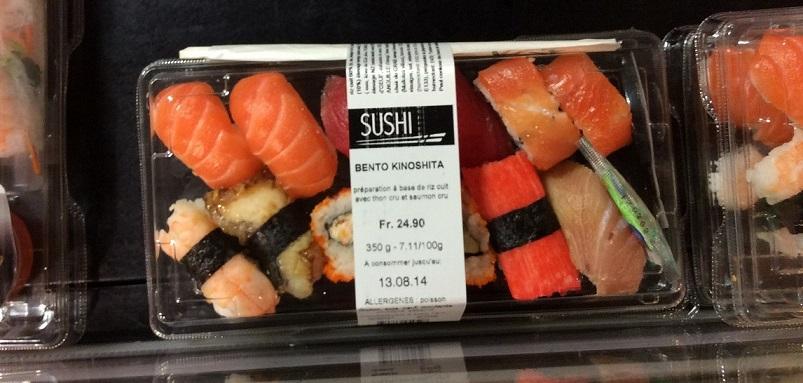歐洲的外食經常都貴到讓旅客買不下手,圖中是瑞士超級市場裡的壽司,一盒台幣 700 元