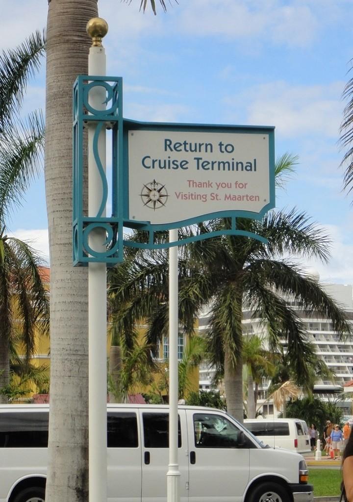 回到 Saint Maarten 碼頭