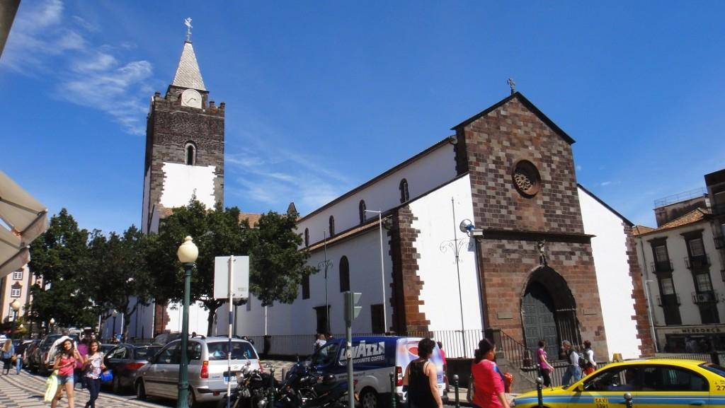 建於西元 15 世紀的 Funchal 教堂