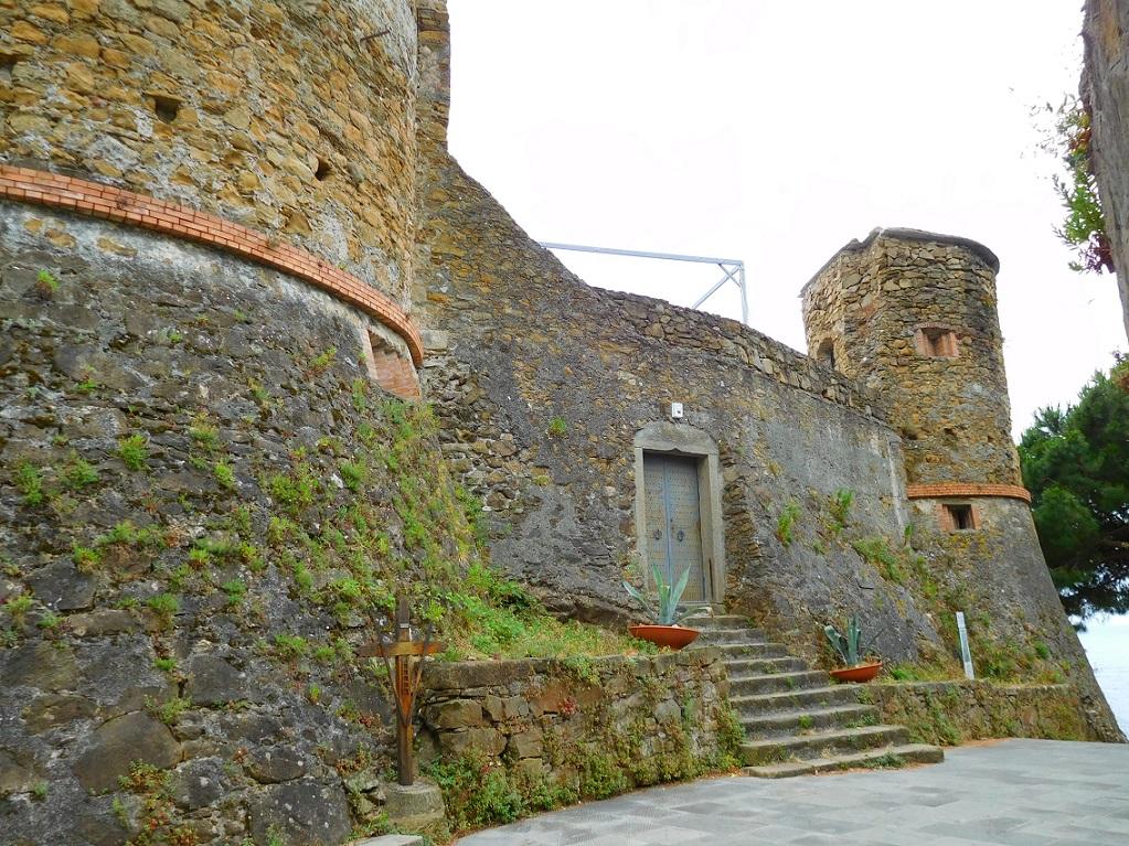 還有一個小小碉堡