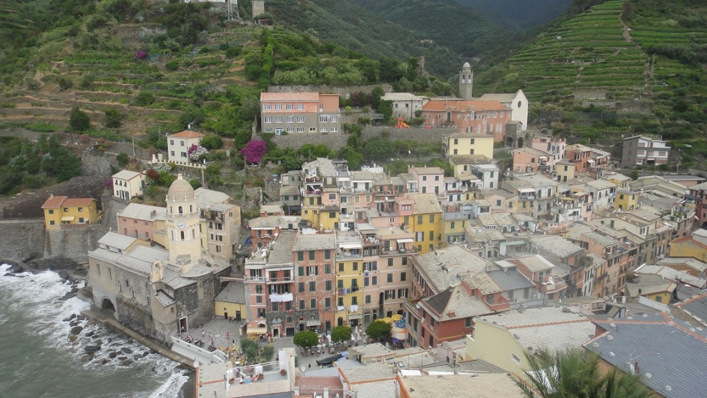 從Castello Doria上看 Vernazza 的景色