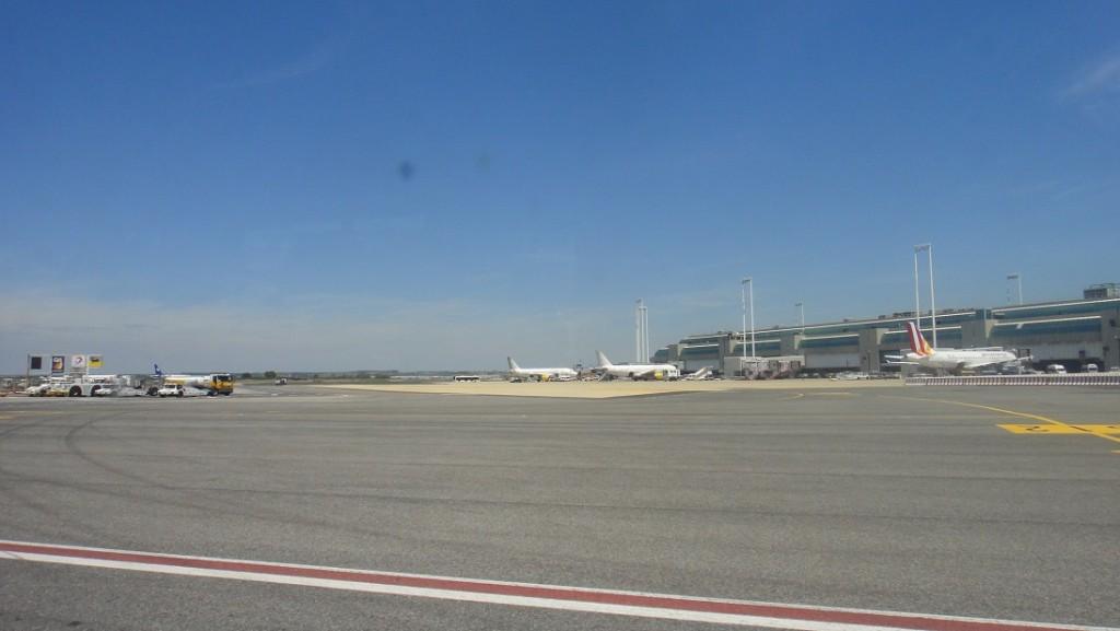 羅馬達文西機場腹地相當大,而且還在擴建當中