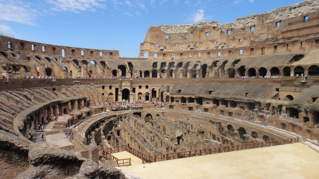 羅馬競技場內部