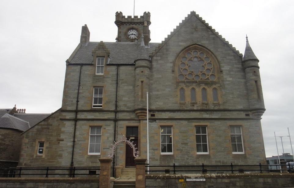 教堂的煙囪(?),有沒有像童話故事的造型呢?