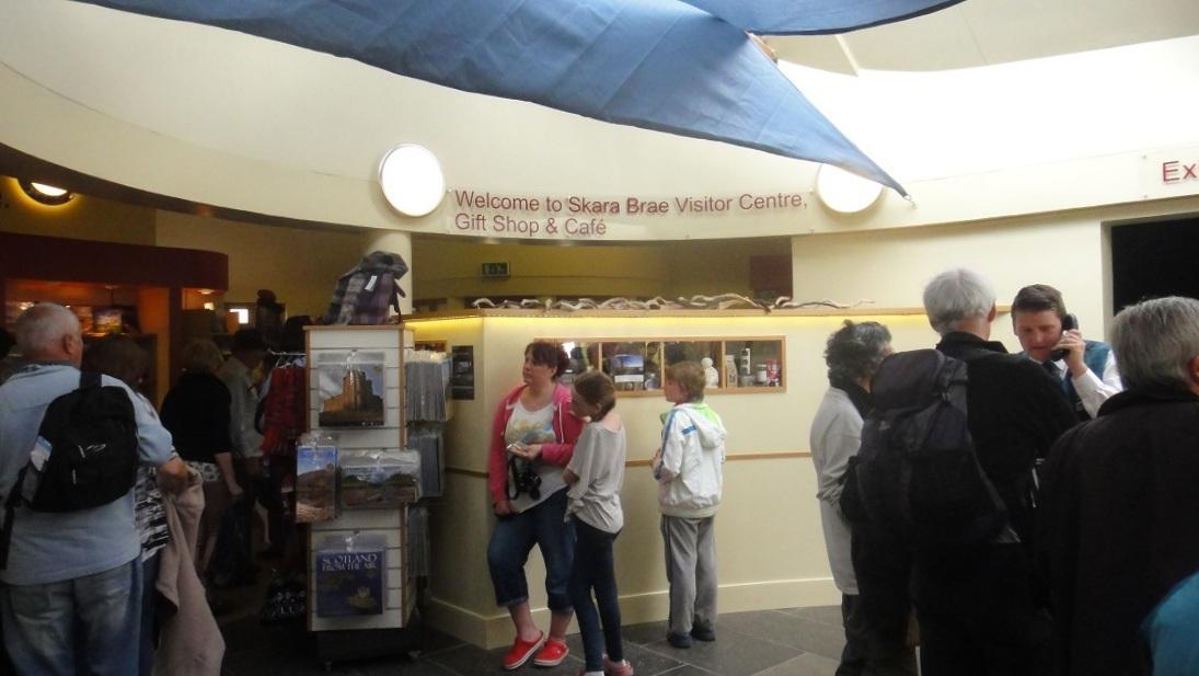 到 Skara Brae 的遊客中心裡買票入場