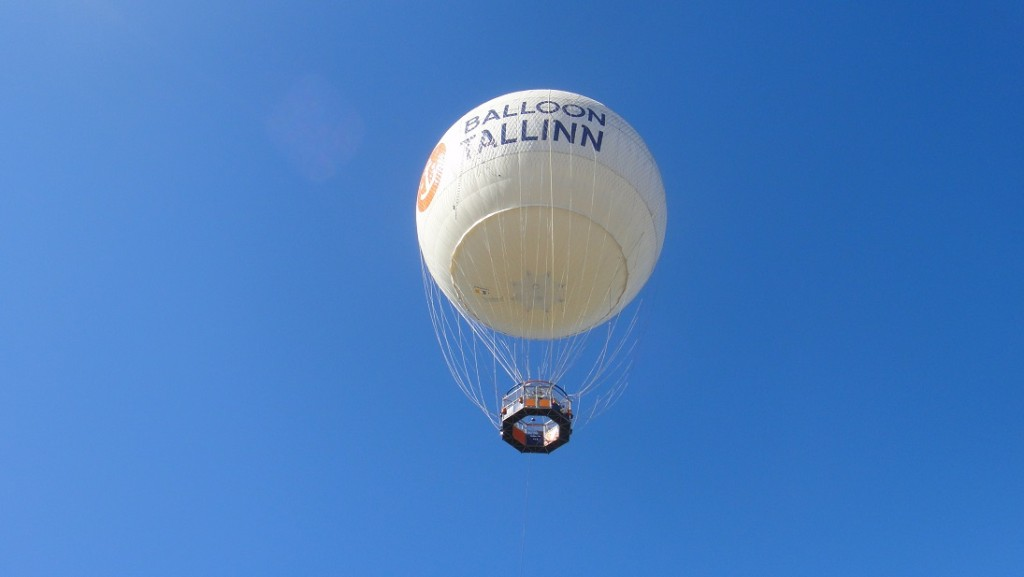 搭乘熱氣球飽覽塔林全貌