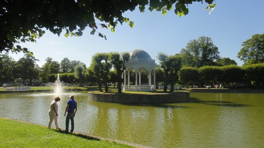 Kadriorg palace 根本就是一個美麗的大公園啊~