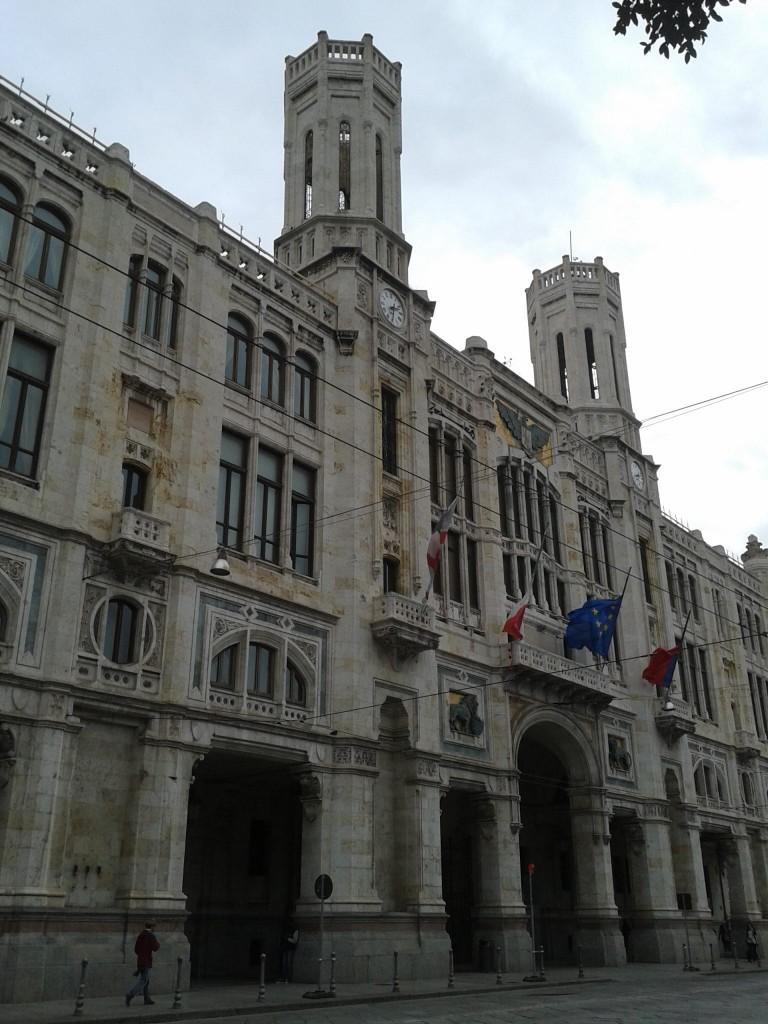 141129卡利亞里市政廳1 (1)