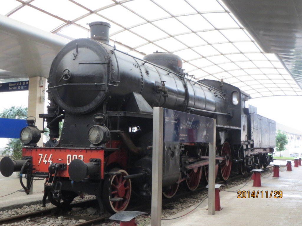 141129卡利亞里火車站7 (2)