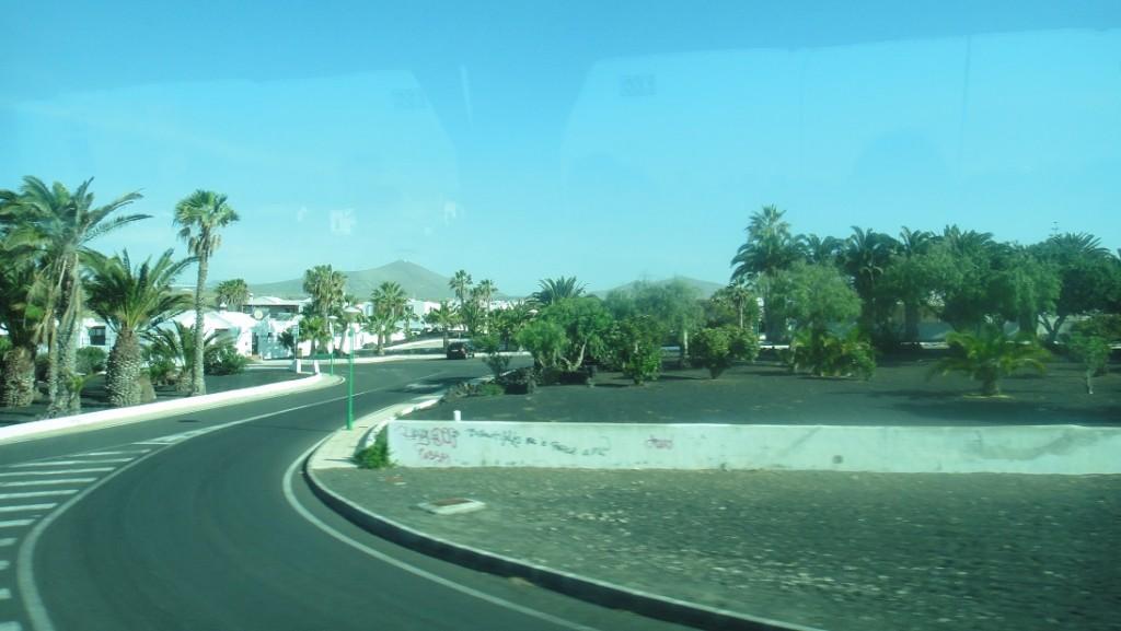 Lanzarote 是屬於北非的氣候,所以到處都是比較像沙漠的景色
