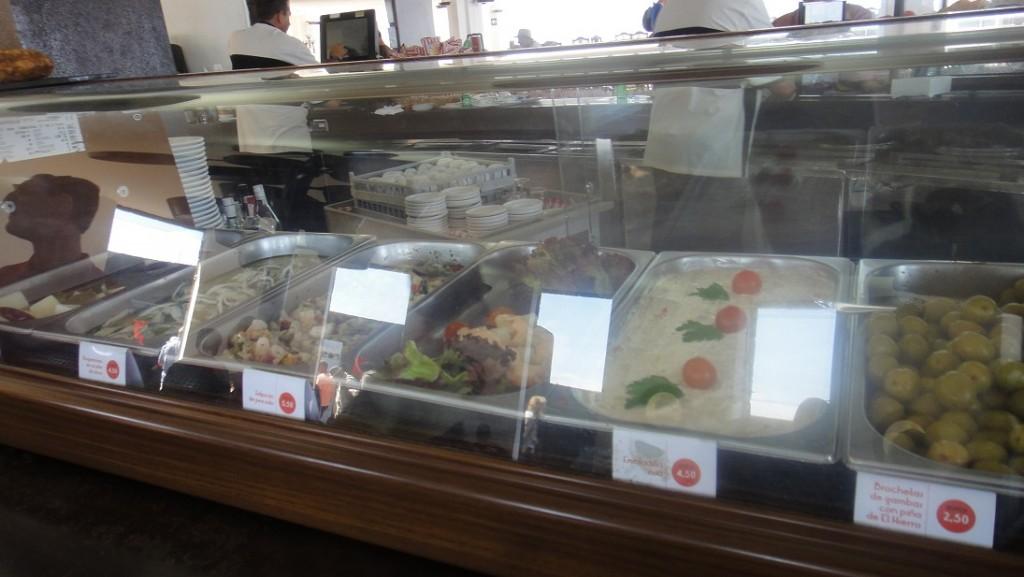除了地熱烤雞之外,其他供應的食物倒是沒有太特別,推估一個人一餐吃下來約落在13~15歐元