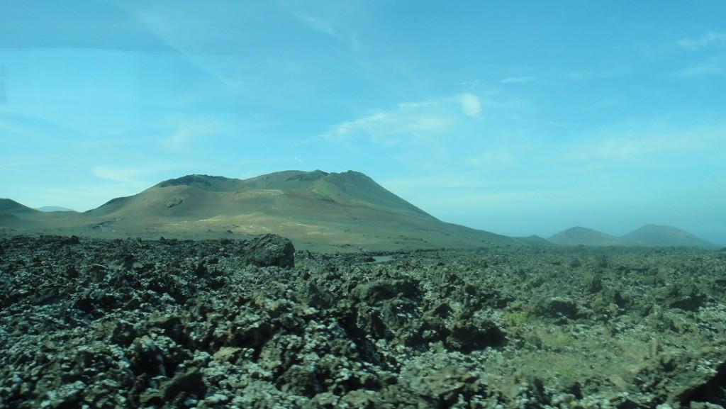 由火山形成的各種地形和植披,對旅客來說有種神秘的吸引力