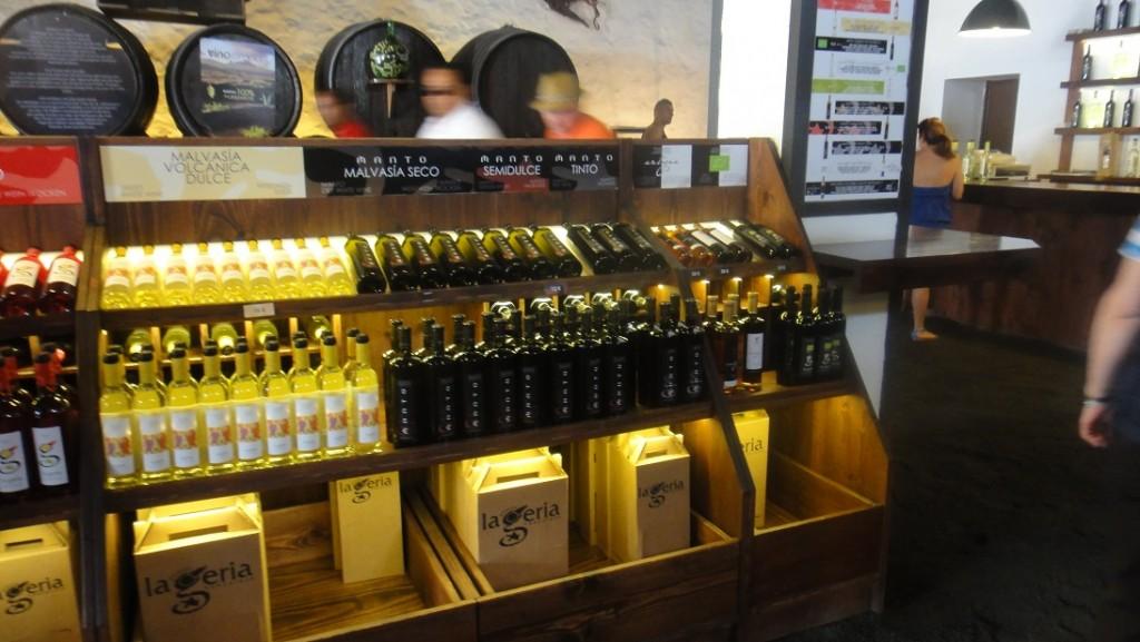 各種琳瑯滿目的葡萄酒
