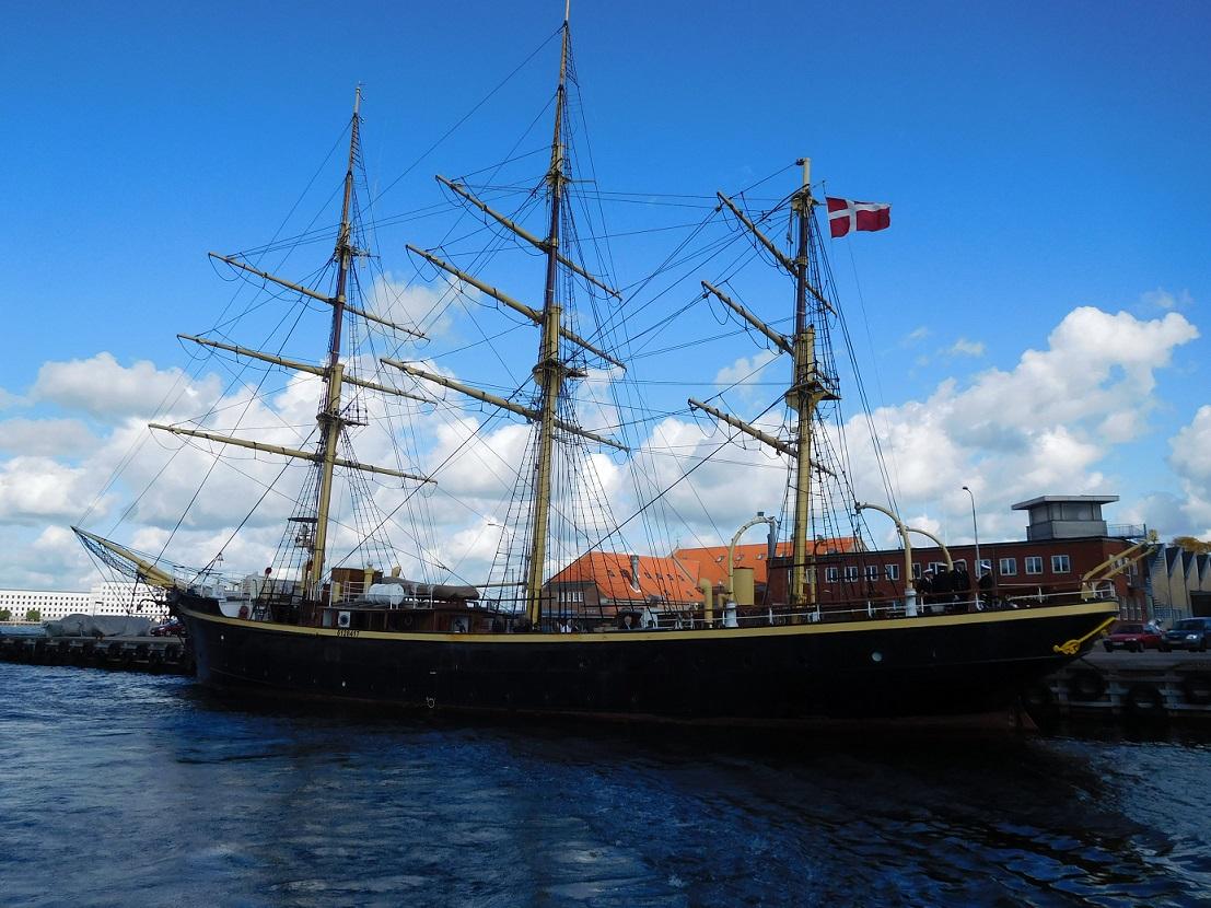 現在這種舊船都被各國當作寶了