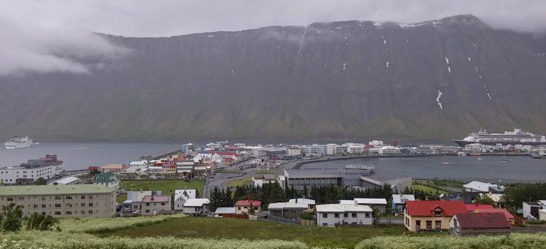 Ísafjörður(伊薩菲厄澤)-冰島的西峽灣區小鎮