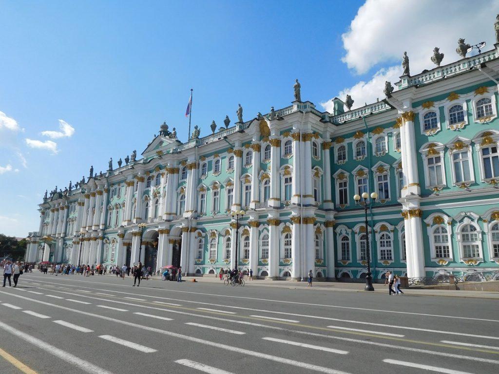 冬宮 Winter palace 曾經是跨越三世紀俄羅斯皇室的居所