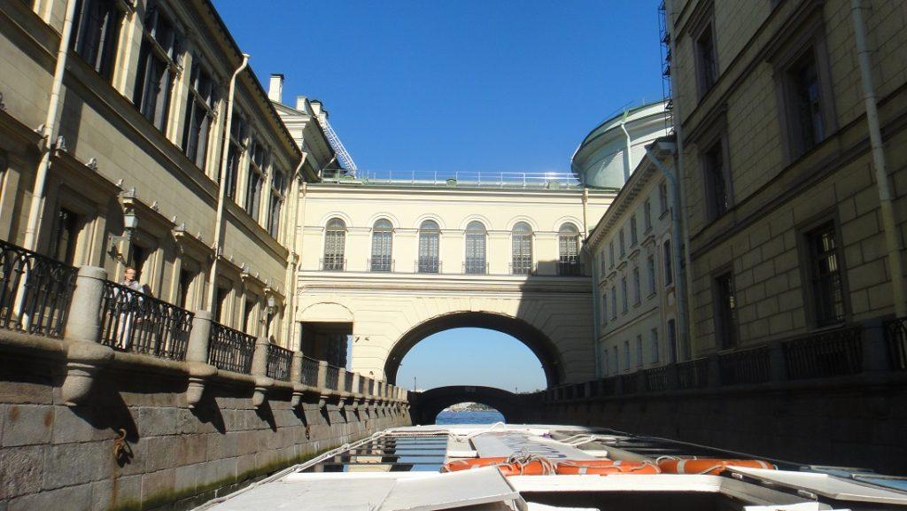 這個橋有一點威尼斯嘆息橋的味道