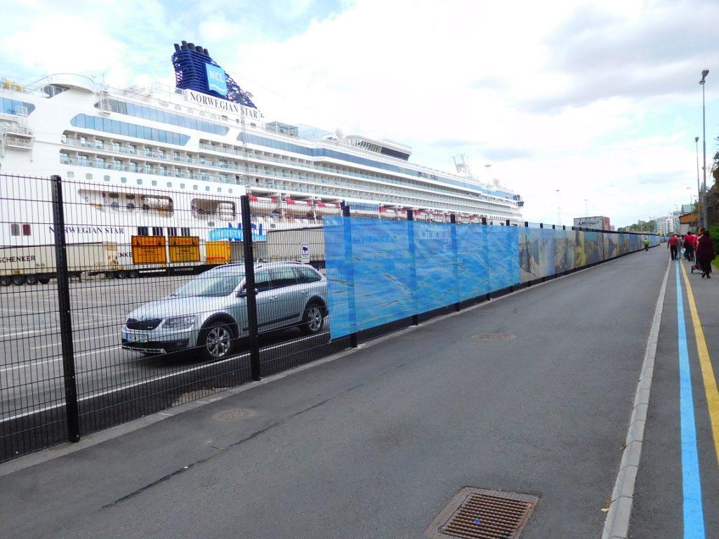 斯德哥爾摩的遊輪碼頭沒有航廈,非常的簡單 (不過,夠用就好不是嗎? ^^)