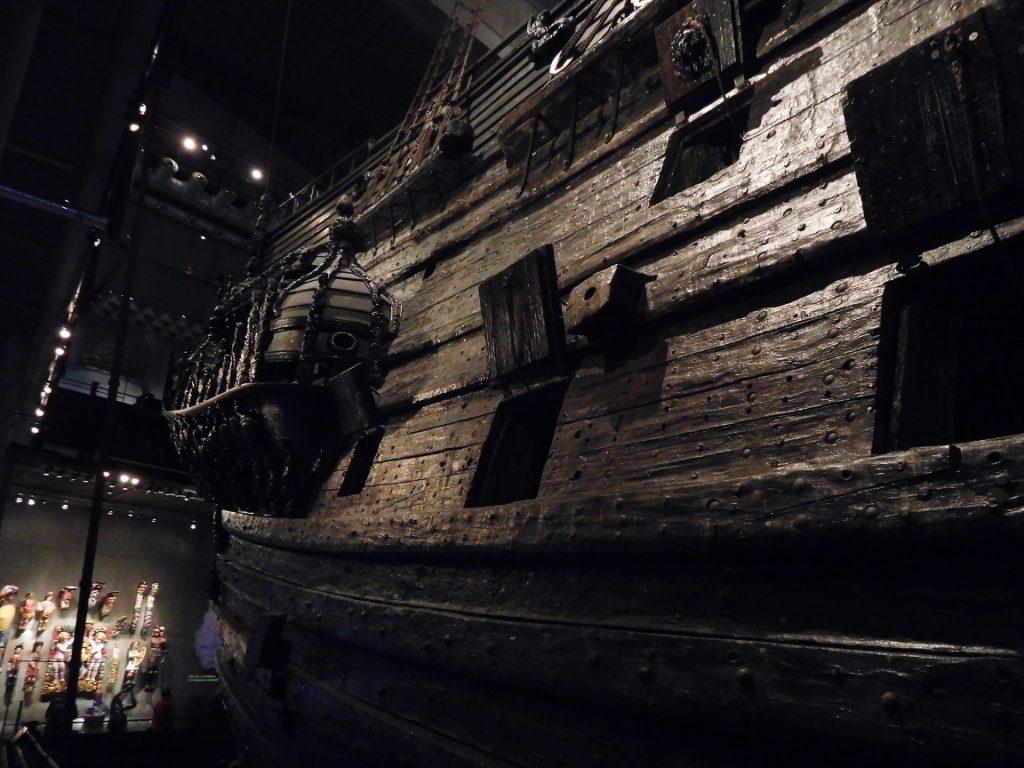 非常古老卻又保存良好的古船