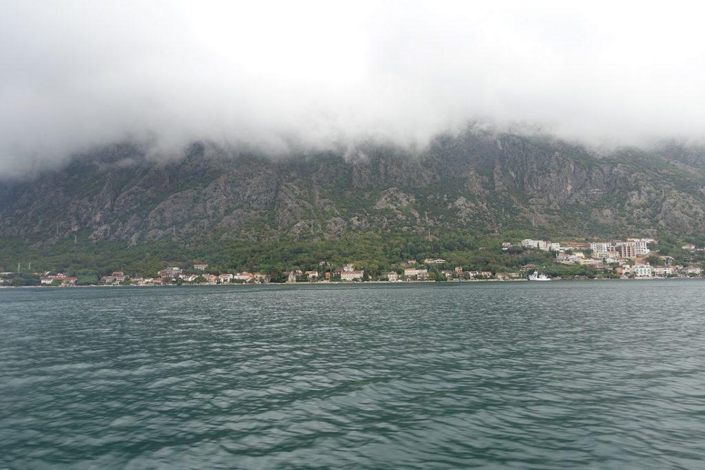 在山腳下的村落,黑山共和國真是名不虛傳