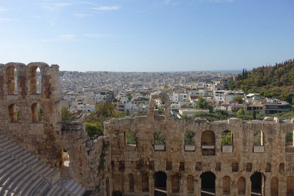 看著這樣祥和的白色城市,霎那間似乎了解神話中雅典娜所想要爭取的是什麼